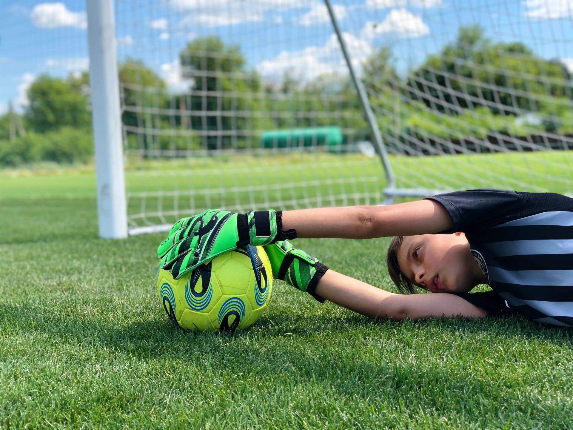 Children's goalkeeper gloves Brave Extreme official online store Brave GK