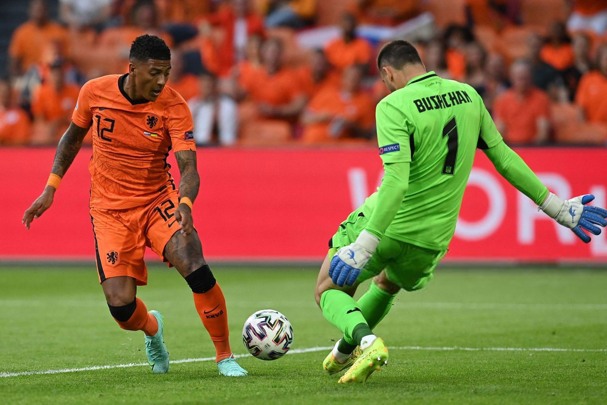 Heorhiy Bushchan wearing Brave GK Rain Pro gloves against                     the Netherlands national team