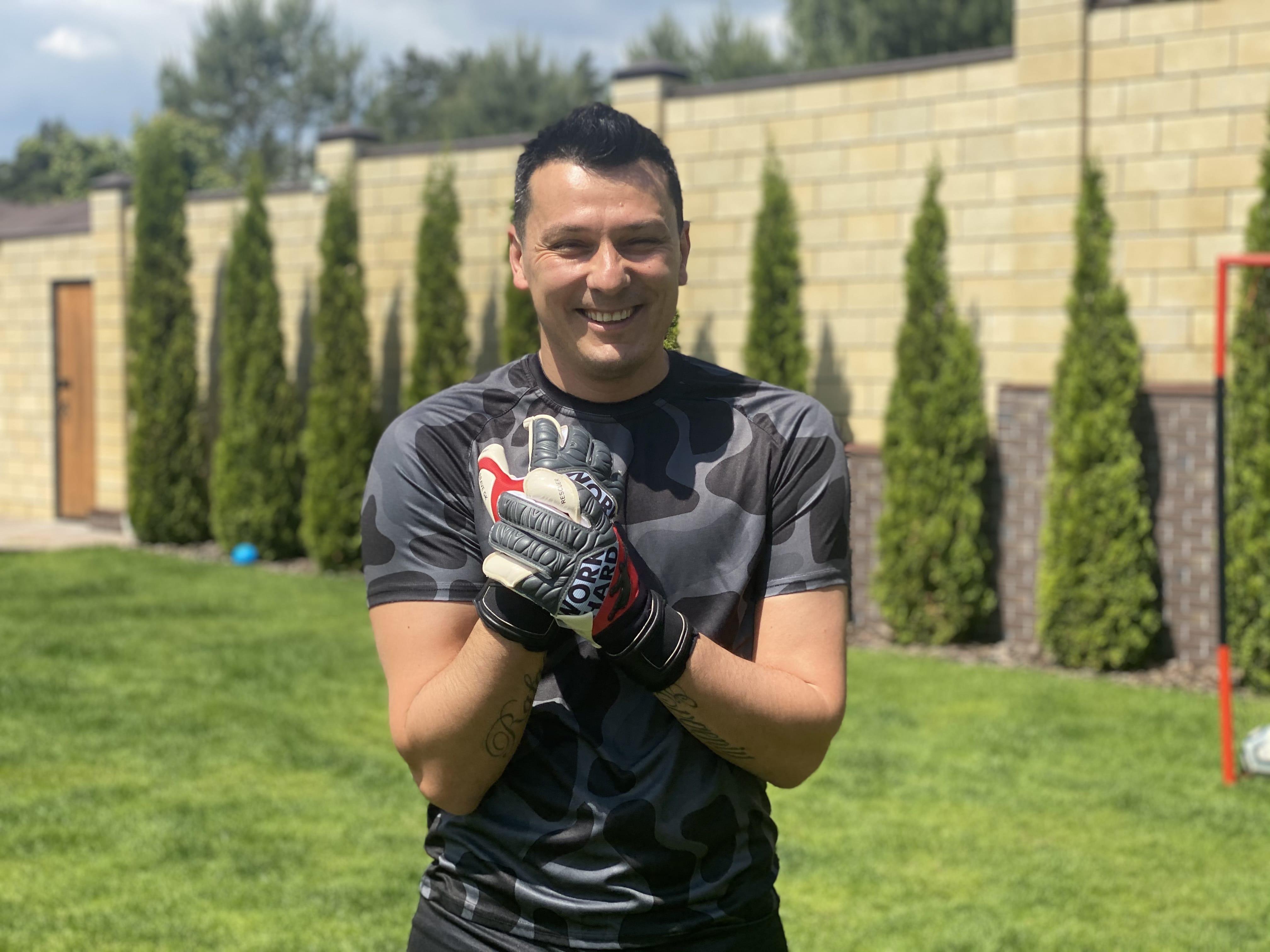 Creating goalkeeping gloves Brave GK